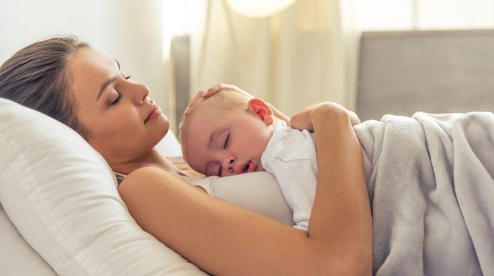 Nach der Geburt des Kindes steht den Eltern eine 36-monatige Elternzeit zu. © Shutterstock, George Rudy
