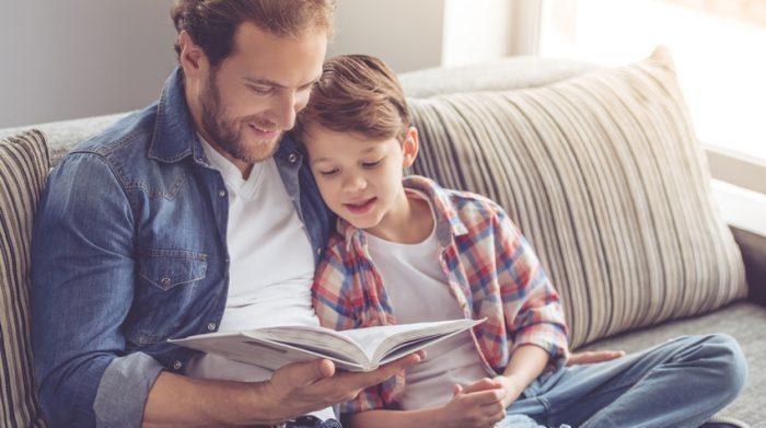 Heutzutage nichts ungewöhnliches mehr: Es gibt immer mehr Väter, die in Elternzeit gehen. © Shutterstock, George Rudy