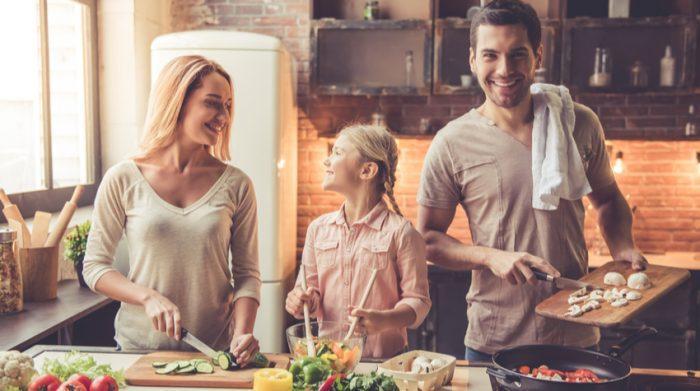 Mit etwas Organisation, Zeitmanagement und Geduld kannst du deinen Arbeits- und Familienalltag miteinander vereinen. © Shutterstock, George Rudy